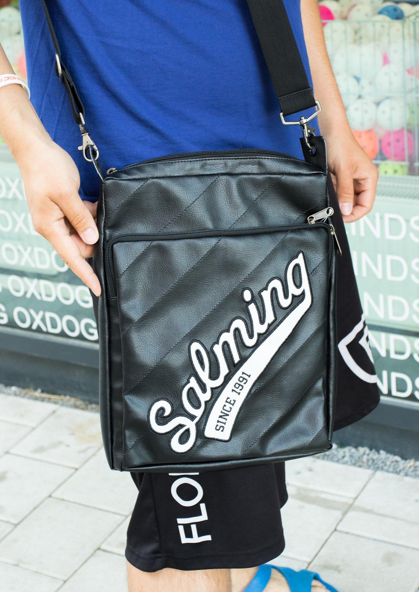 Salming Retro taška na tablet černá-bílá